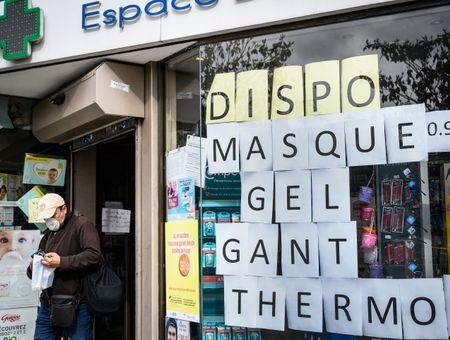 A Paris, la ruée sur les masques avant le déconfinement
