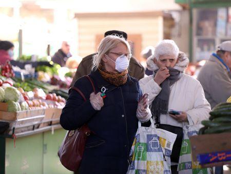 Biarritz, St-Malo, Orléans : le port obligatoire du masque se répand dans les centres-villes