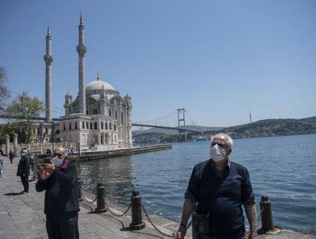 Turquie: les seniors se réjouissent de leur première sortie en deux mois
