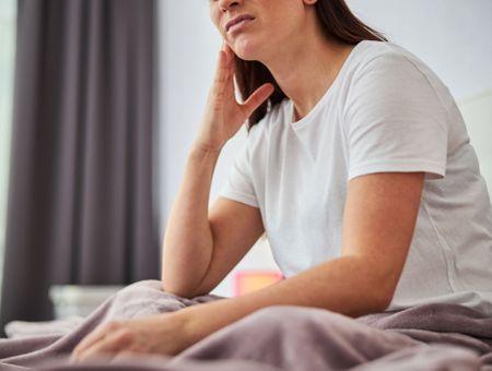 Bruxisme : 7 signes qui montrent que vous grincez des dents la nuit