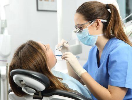 Dents abîmées : quels traitements ?