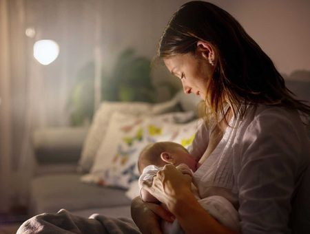 Comment savoir si bébé tète assez ?