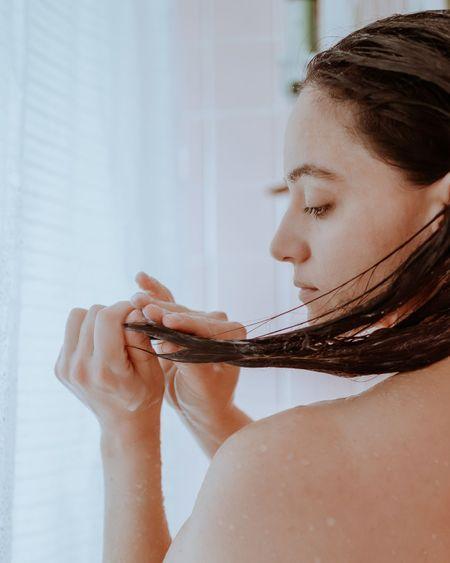 Les huiles essentielles bonnes pour les cheveux
