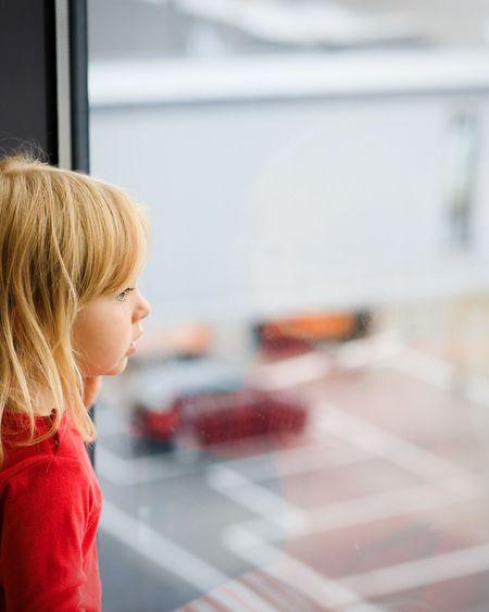 Comment gérer les émotions négatives des enfants pendant le confinement : 3 questions à une psychologue