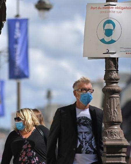 Covid-19: plus de 7.000 nouveaux cas en 24 heures en France