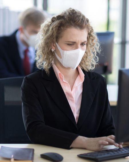 Covid-19 : le protocole sanitaire dans les entreprises bientôt assoupli ?