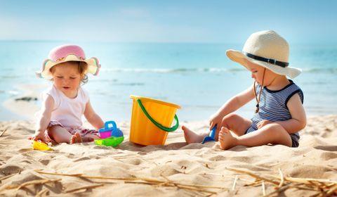Protéger la peau des enfants du soleil
