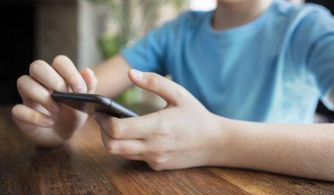 Protection en ligne des enfants : 5 questions à Michelle Gilbert, directrice de la communication de Facebook France