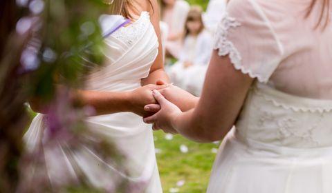 Nouvelles parentalités : meilleures amies, elles se marient et adoptent un enfant