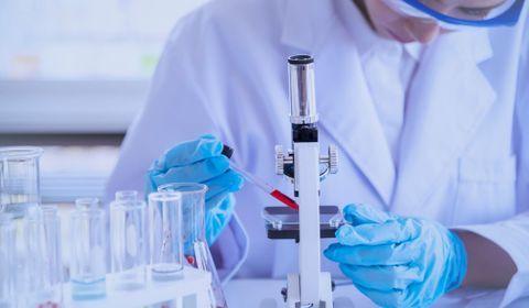 Vaccin Astrazenca/Oxford contre le Covid-19 : efficacité, méthode, risques