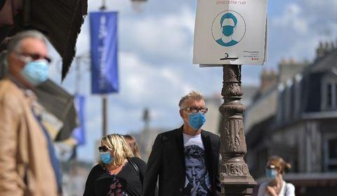 Depuis le début de l'épidémie en France il y a six mois 30.916 personnes sont mortes du Covid-19.