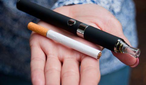Les autorités anglaises plébiscitent le vapotage pour arrêter de fumer