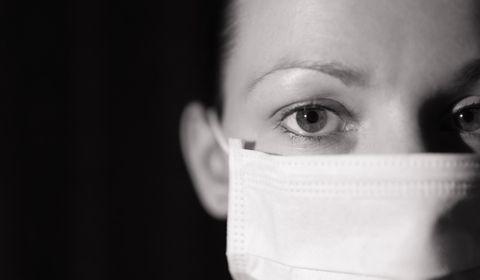 """""""Monsieur Le Président a raison, nous sommes en guerre sanitaire... Mais alors où sont nos armes ?"""", demande Tiana, infirmière à Paris"""