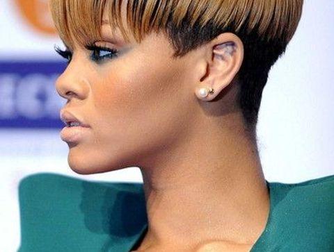 Coiffure Rihanna Toutes Les Coupes De Cheveux De Rihanna Depuis Le Debut De Sa Carriere