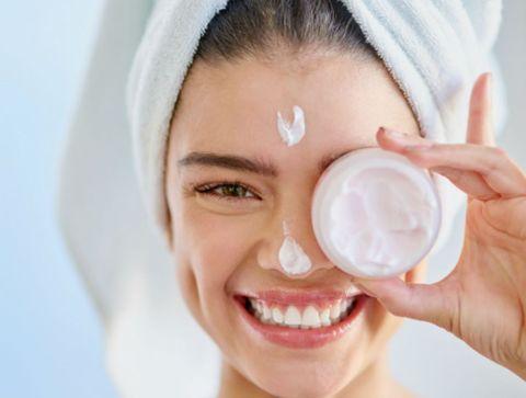 La crème de jour - Les produits de beauté indispensables à avoir dans sa salle de bains