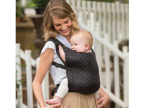 Zip travel Infantino : le porte-bébé ultra-compact - Notre sélection de porte-bébés 2019