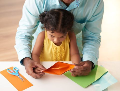 Des idées de jeux pour occuper son enfant à la maison