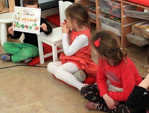 11h20 : temps calme chez les moyens - Une journée dans une école Montessori