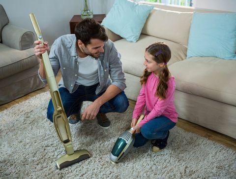 Partage des tâches ménagères : 10 astuces pour motiver toute la famille