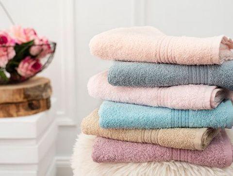 A quelle fréquence laver ses serviettes de bain ? -  Quelle routine d'entretien pour le linge de maison ?