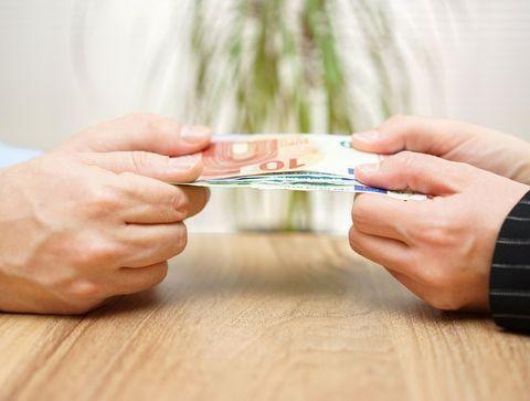 Violence financière dans le couple : comment s'en protéger ?