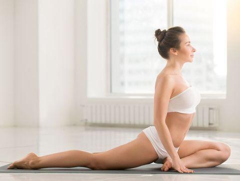 La posture du pigeon - Douleur sciatique : exercices et étirements pour la soulager