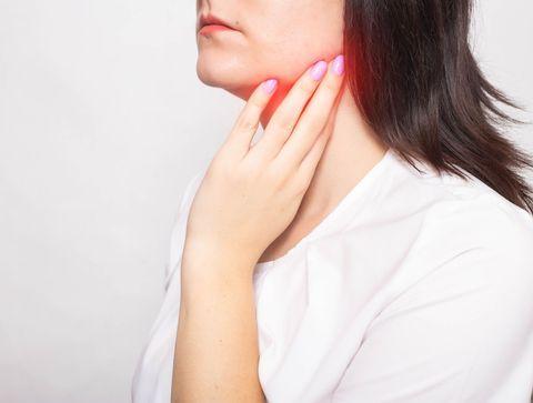 Parotidite (ourlienne, chronique, virale) : symptômes, causes, traitements