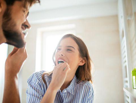 Se brosser les dents protège contre les maladies du cœur