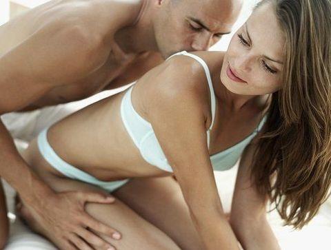Ne pas négliger les autres parties du corps - Les bases du sexe oral