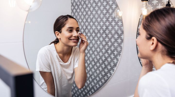 Confinement : pourquoi j'ai un regain d'acné ?