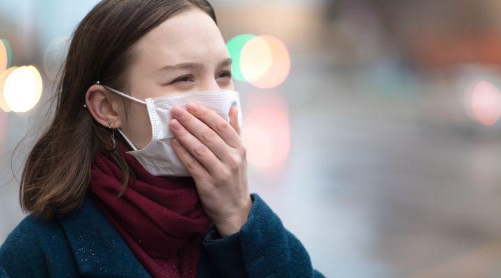 """Le nombre des cas de Covid-19 a récemment explosé, mais on peut """"encore"""" maîtriser la situation à condition d'intervenir très rapidement sur les foyers de la maladie, a estimé vendredi l'Organisation mondiale de la santé."""