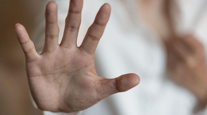 Violences conjugales : un bracelet anti-rapprochement mis en fonction en septembre