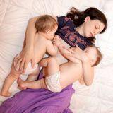 Allaiter des jumeaux : les conseils d'une sage-femme