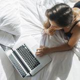 Les femmes, consommatrices de porno : libération ou leurre ?