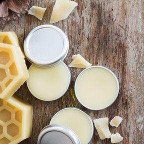 Baume pour les lèvres à la cire d'abeille