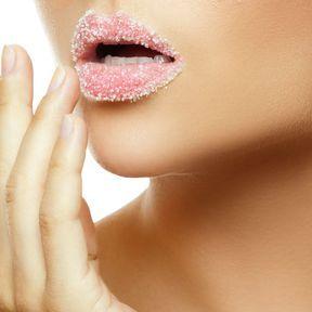 Gommage lèvres au sucre et au miel
