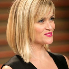 Cheveux blond platine Reese Witherspoon
