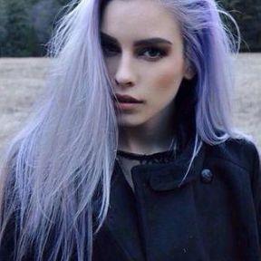Coupe cheveux longs colorés