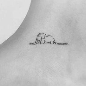 Tatouage elephant cheville
