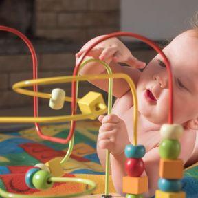 L'éveil des sens chez l'enfant précoce