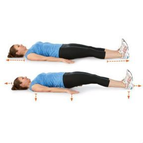 Planche spinale au sol, mains en pronation