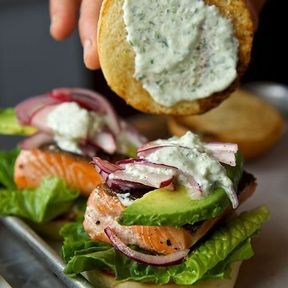Le burger au saumon