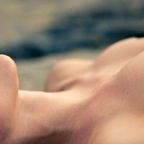 Un massage et un cunnilingus en même temps