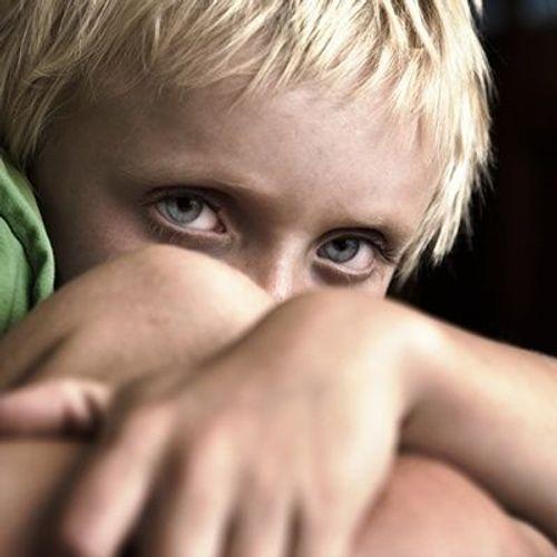 Violences parentales : les mots peuvent faire aussi mal que les coups