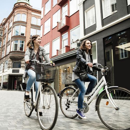 La marche à pied et le vélo, des alternatives aux transports en commun après le confinement